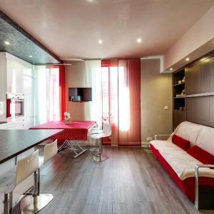 Hotel Pictures: Bel appartement rénové - Orly, Villeneuve-le-Roi