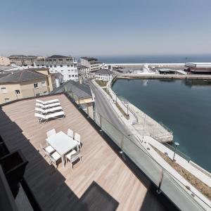 Hotel Pictures: Apartahotel A Cetárea, Burela de Cabo