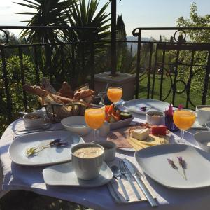 Hotel Pictures: Les 4 éléments maison d'hôtes design, Tourrettes-sur-Loup