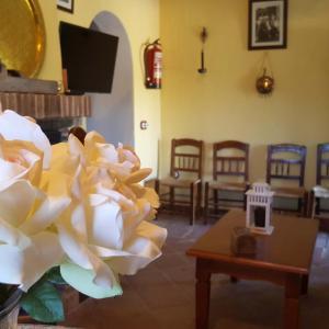Hotel Pictures: Cortijo el Lebrillo, El Burgo