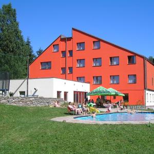 Hotel Pictures: Hotel Na Trojce, Pusté Žibřidovice