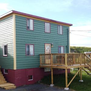 Hotel Pictures: Mr. Hibb's Salt Box Cottage, Hibbs Cove