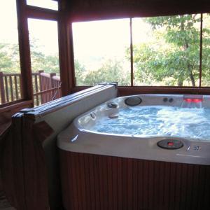 Fotos de l'hotel: Smoky Mountain Dreamin' Cabin, Sevierville