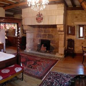 Hotel Pictures: Le Vieux Chateau B&B, Le Renouard