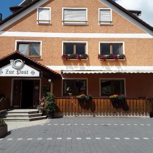 Hotel Pictures: Landgasthof 'Zur Post', Königstein in der Oberpfalz