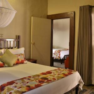 Foto Hotel: Thebe River safaris, Kasane