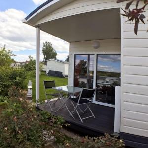 Hotel Pictures: Studio-NEAPEL-mit-Terrasse-Grill-Seeblick, Kahl am Main