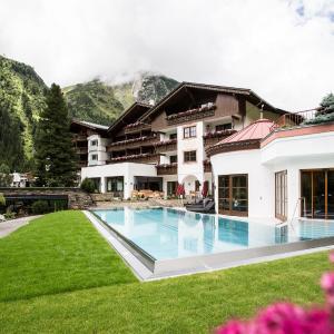 Hotel Pictures: Verwöhnhotel Wildspitze, Sankt Leonhard im Pitztal
