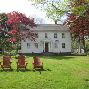 Hotel Pictures: Grand Oak Manor Bed and Breakfast, Granville Ferry