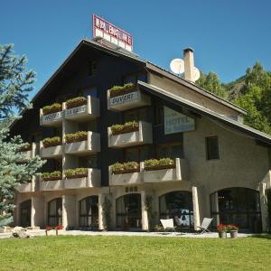 Hotel Pictures: Hôtel La Balme Alphand, Saint-Chaffrey