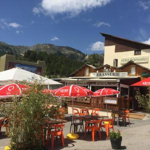 Hotel Pictures: Hotel Edelweiss, Auron