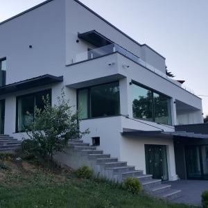 Fotos de l'hotel: Modern Villa, Hadžići