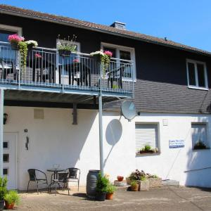 Hotel Pictures: Fewo Bemmann, Deisfeld