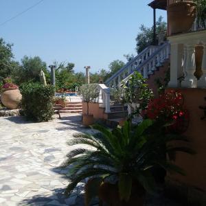 Hotel Pictures: Villa Iona, Roda