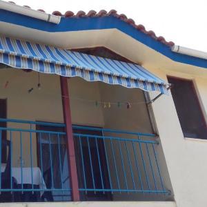 Foto Hotel: Holiday House Bardhi - Shtepi Pushimi Bardhi, Vlorë