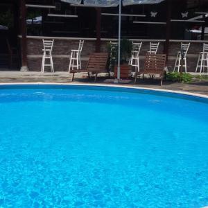 Hotel Pictures: Kyshta za Gosti Tam Krai Rekata, Slivek