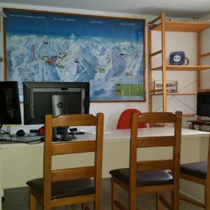 Hotel Pictures: Apartamentos Casa Patro, Tramacastilla de Tena