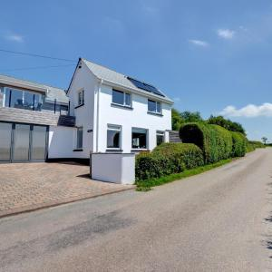 Hotel Pictures: The Small House, Braunton