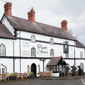 Hotel Pictures: Trevor Arms, Wrexham