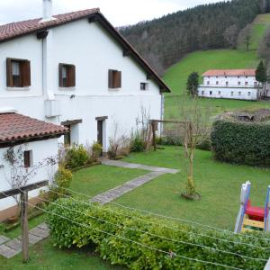 Hotel Pictures: Casa Baztarretxe, Berástegui