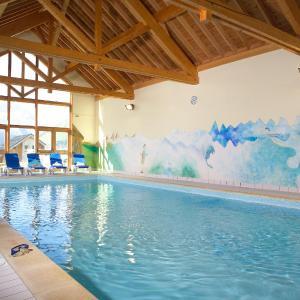 Hotel Pictures: Madame Vacances Appartements et Chalets La Fontaine du Roi, Saint-Jean-d'Arves