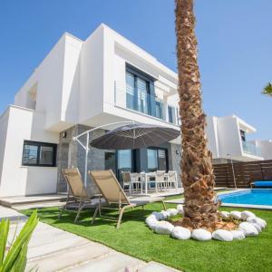 Hotel Pictures: Villa BALI 3033, Vistabella