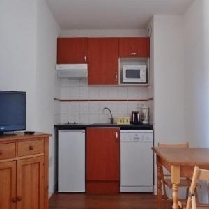Hotel Pictures: Apartment Residence les hauts plateaux n°13, Ax-les-Thermes