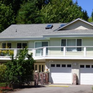 Hotel Pictures: Crown House B&B, Lake Cowichan