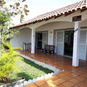 Hotel Pictures: Casa dos Sabiás de Guaratuba PR, Guaratuba