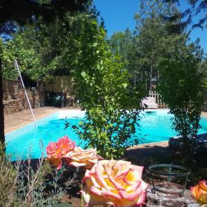 Hotel Pictures: Cortijo El Berrocal, Cazalla de la Sierra