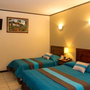 Hotel Pictures: Hotel y Restaurante El Guarco, Cartago