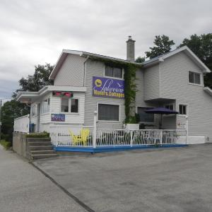 Hotel Pictures: Lakeview Motel & Cottages, Sauble Beach