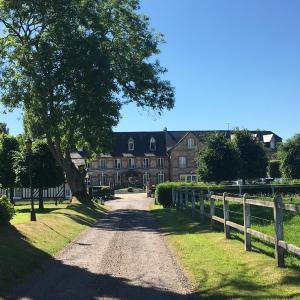 Hotel Pictures: Hostellerie de la Hauquerie-Chevotel, Quetteville