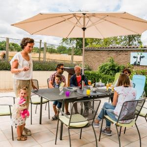 Foto Hotel: Vakantiewoning Buitenrijk, Tongeren