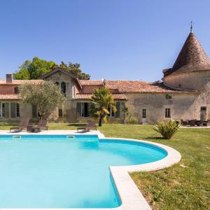 Hotel Pictures: Chateau de Puyrigaud, Léoville