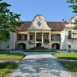 Hotel Pictures: Château de Mathod, Mathod