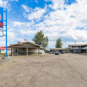 Hotel Pictures: Motel 6 Fort Nelson, Fort Nelson