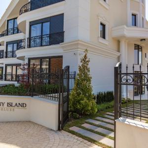 Zdjęcia hotelu: Apartments in Complex Sunny Island Deluxe, Czernomorec