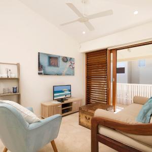 Hotel Pictures: 2 Hale Lani, Sunshine Beach