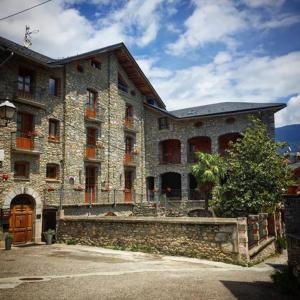 Фотографии отеля: Hotel Rural L'Alcova, Montardit