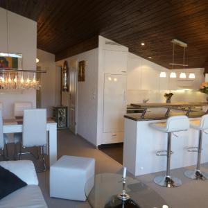 Hotel Pictures: Alpen-Fewo, Primavera B31, Flims