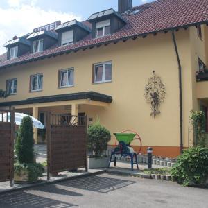 Hotelbilleder: Hotel-Gästehaus Löwen, Süßen