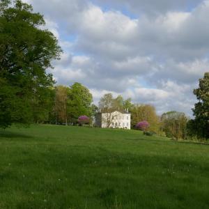 Hotel Pictures: Chambres d'hôtes au Château De Preuil, Vallenay