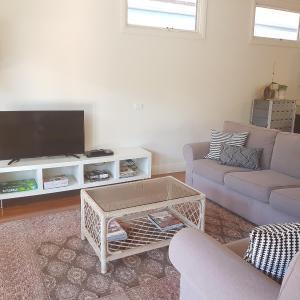 Hotellbilder: Newcastle Terraces & Apartments - Cooks Hill Cottage, Newcastle