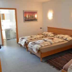 Hotel Pictures: Don Camillo Gästehaus, Hörhausen