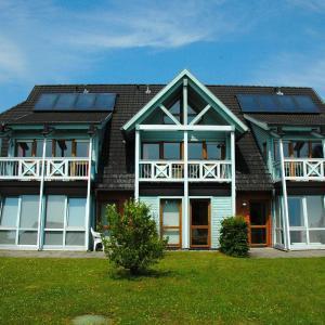 Hotelbilleder: Abendrot-am-See-2Raeder-Schwimmbad-Sauna, Sellin