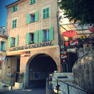 Hotel Pictures: Auberge de Calendal, Aiglun