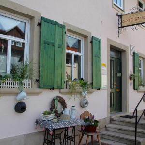 Hotel Pictures: Cafe Pension Gute Stube, Sulzfeld