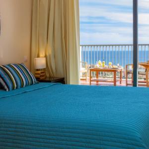 Hotel Pictures: ÁTICO HERCESA, Bahia de Casares