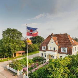 Hotelbilleder: Altes-Landhaus-Ferienwohnung-Schleswig-Holstein, Wendtorf